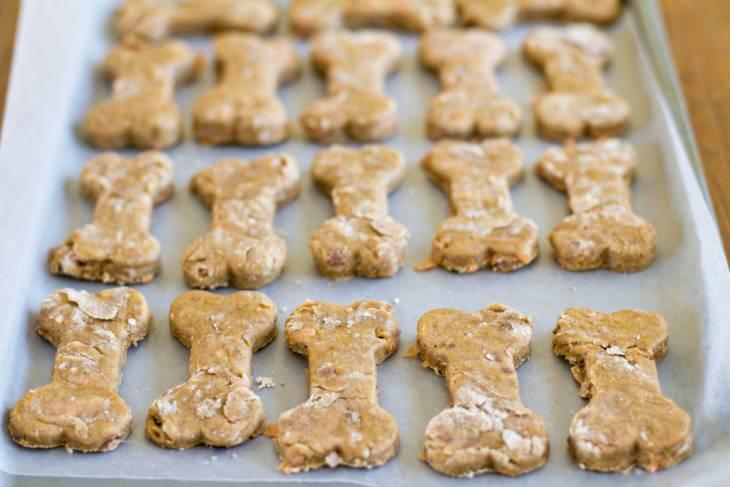 Veggie Dog Biscuit